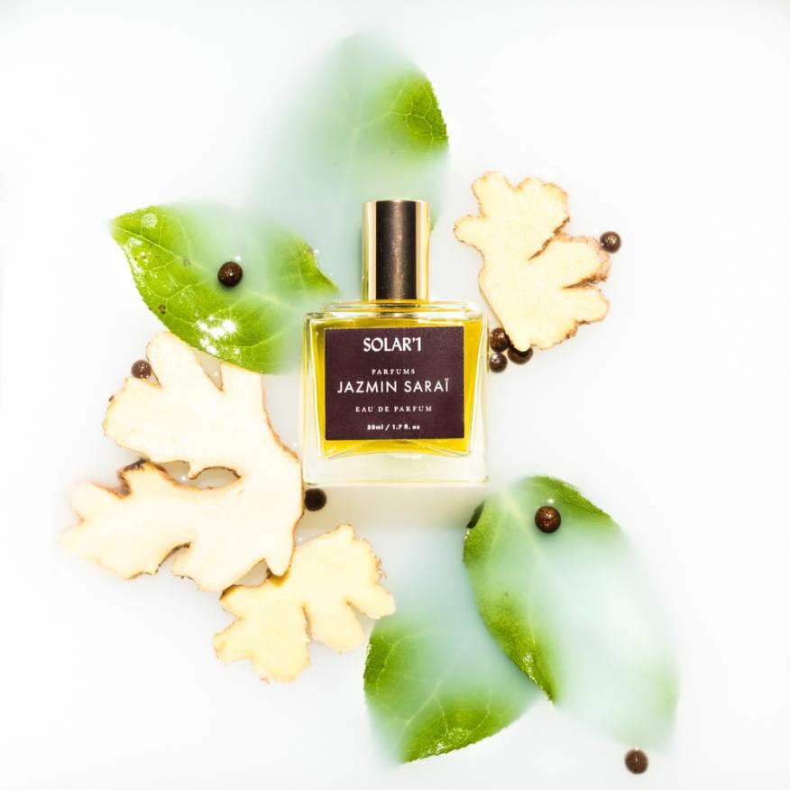 jassmin-sari_perfume_instagram_studio_cody_caissie_sept-Studio-Cody-Caissie-20180818-2